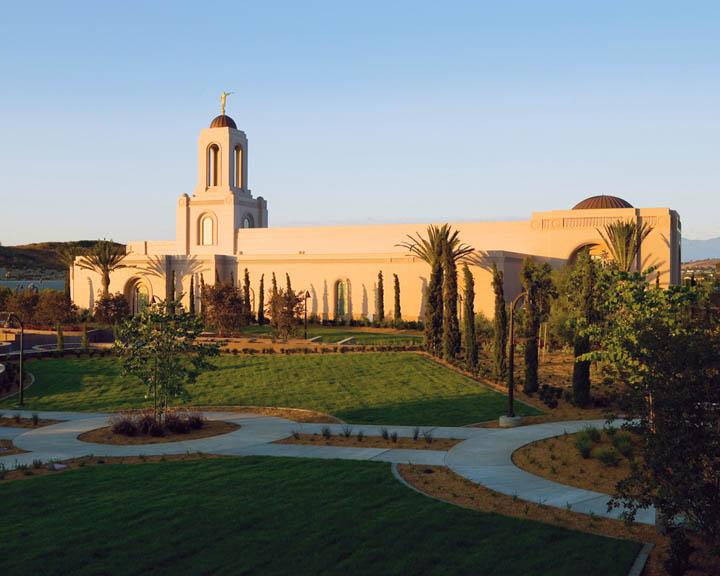Que sont les portes ouvertes d'un temple mormon?