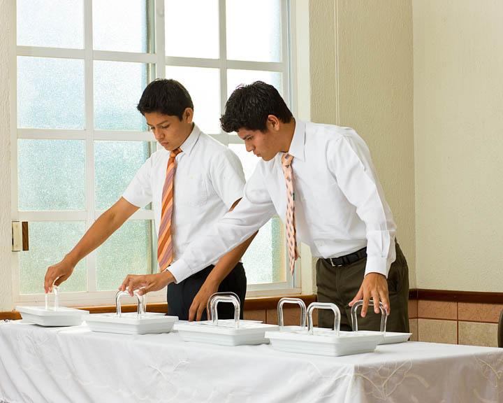 Une Table de Sacrement Vide